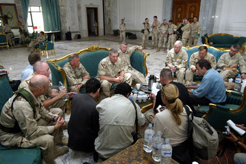 US COMMANDING GENERAL FRANKS WITH MEDIA IN FORMER PALACE OF SADDAMHUSSEIN IN BAGHDAD.