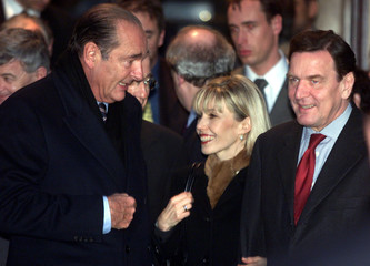 FRENCH PRESIDENT JACQUES CHIRAC, GERMAN CHANCELOR GERHARD SCHROEDER AND HIS WIFE DORIS LEAVE AFTER ...