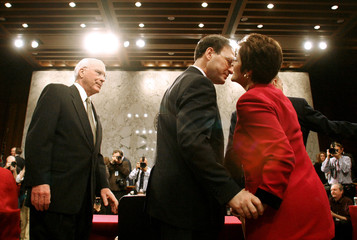 Supreme Court Nomiee Alito receives a kiss from his wife before confirmation hearing in Washington