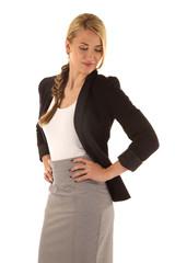 Frau mit modischem Business-Outfit