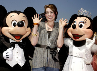 """Actress Anne Hathaway, who portrays Princess Mia in the family comedy motion picture """"The Princess D.."""