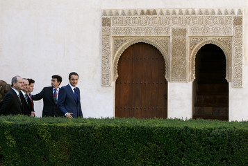 PM Rodriguez Zapatero, his Polish counterpart Marcinkiewicz and Andalusian regional president Chaves visit the Alhambra in Granada