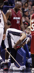 New Jersey Nets Carter reacts to foul by Miami Heat O'Neal in East Rutherford