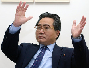 NORTH KOREAN DIPLOMAT SON MUN SAN GESTURES DURING A NEWS CONFERENCE INVIENNA.
