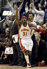 HAWKS TERRY CELEBRATES WINNING SHOT AGAINST SPURS IN ATLANTA.