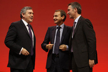 Britain's PM Brown talks with Spain's PM Zapatero and Norway's PM Stoltenberg during the annual Labour Party Conference in Brighton