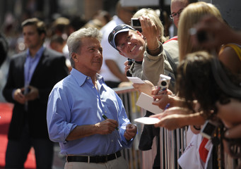 """Actor Dustin Hoffman attends the premiere of """"Kung Fu Panda"""" in Los Angeles"""