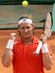 NALBANDIAN OF ARGENTINA CELEBRATES AFTER HIS QUARTER-FINAL MATCH AGAINST KUERTEN OF BRAZIL AT FRENCH OPEN.