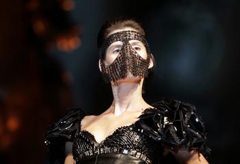 Model displays a creation by Italian fashion designer Guglielmo Mariotto as part of Gattinoni's Fall/Winter 2008 Haute Couture collection at Campidoglio's Square during Rome fashion week