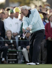 Honorary starter Arnold Palmer begins the 2007 Masters golf tournament on the first tee at the Augusta National Golf Club in Augusta