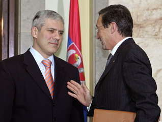 Serbian President Tadic welcomes Italian Foreign Minister Fini in Belgrade