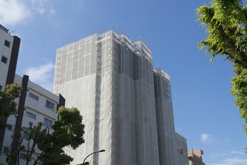 建物 大規模修繕イメージ 改修工事 足場と養生 高層マンション 修繕計画