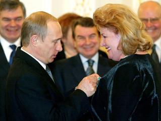 RUSSIA'S PRESIDENT PUTIN PRESENTS UKRAINIAN SOLOIST STEFIUK WITH ASTATE AWARD IN KIEV.