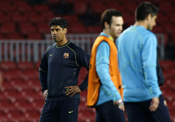 Barcelona's coach Rijkaard conducts training session at Nou Camp stadium in Barcelona