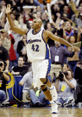 WIZARDS JERRY STACKHOUSE CELEBRATES WINNING BASKET AGAINST LAKERS.