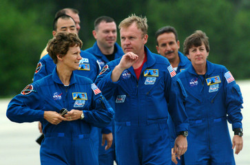 Shuttle Discovery Commander Eileen Collins and crew arrives at the Kennedy Space Center in Cape ...