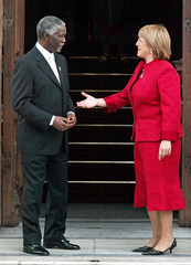 Chile's president-elect Bachelet greets South Africa's President Mbeki in Santiago