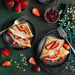 crepes with cream cheese and fresh strawberry