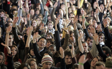 University students raise their hands to vote for the blocking of the university of Aix-en-Provence