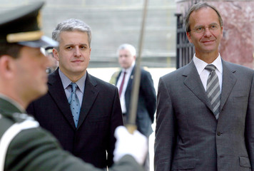 ALBANIAN DEFENCE MINISTER MAJKO AND HIS DUTCH COUNTERPART KAMP IN TIRANA.