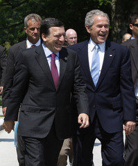 U.S. President Bush shares a laugh with Barroso in Brdo