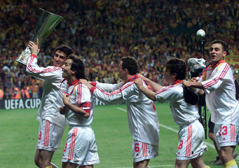 GALATASARAY CELEBRATE WINNING THE UEFA CUP.