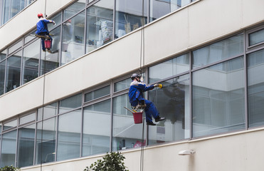 Climbing windows washing dangerous profession