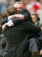 BOLTON'S CHAIRMAN GARTSIDE AND MANAGER ALLARDYCE CELEBRATE A TEAM WININ THIER ENGLISH PREMIER LEAGUE ...