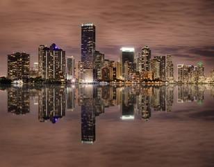 Fototapete - Miami bayfront skyline at night