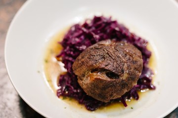 Meat slices with red cabbage