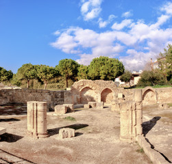 Fototapete - Panagia Chrysopolitissa Basilica in Paphos, Cyprus, panoramic image