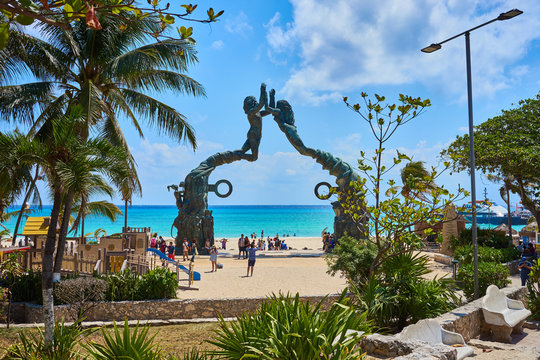 Famous Mermaid Statue at public beach in Mermaid Statue at Public Beach in Playa del Carmen / Fundadores Park in Playa del Carmen in Mexico