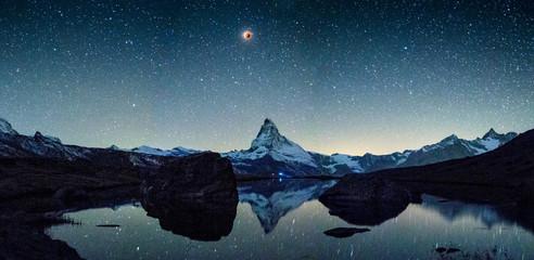 Blutmond mit Matterhorn und Stellisee