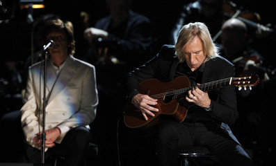 """Joe Walsh performs """"My Valentine"""" with Paul McCartney at the Grammys in Los Angeles"""