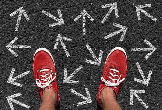Welche Richtung nehmen? Entscheidung treffen - Konzept