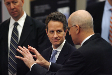 Treasury Secretary Geithner and Senior Counselor for Manufacturing Policy Bloom listen to Honeywell executive in Golden Valley