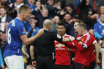 Everton v Manchester United - FA Cup Semi Final