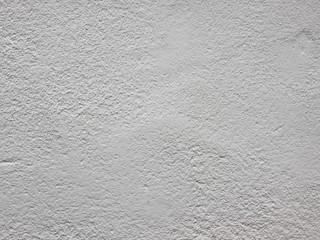 白いモルタルの壁