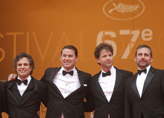 """Director Bennett Miller, cast members Mark Ruffalo, Channing Tatum and Steve Carell pose on the red carpet as they arrive for the screening of the film """"Foxcatcher"""" in competition at the 67th Cannes Film Festival in Cannes"""