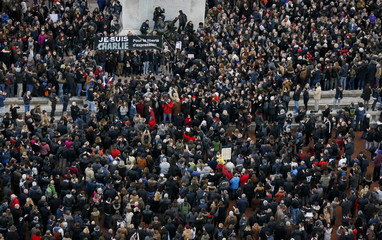 Hundreds of thousands of people take part in a solidarity march in the streets of Lyon