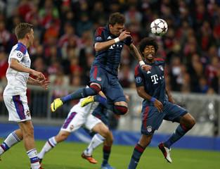 Munich's Mandzukic scores against CSKA Moscow during their Champions League group D first leg soccer match in Munich