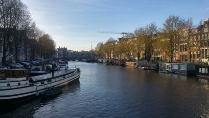 Kanał w Amsterdamie