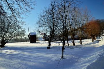 wioska zimą