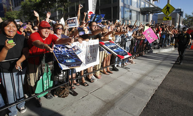 """Fans react to Matthew McConaughey at the premiere of """"Magic Mike"""" during the Los Angeles Film Festival in California"""