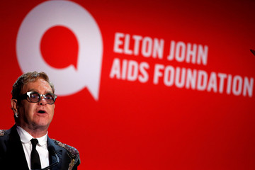 """Singer Elton John greets guests during his Elton John AIDS Foundation's 15th Annual """"An Enduring Vision Benefit"""" in New York"""