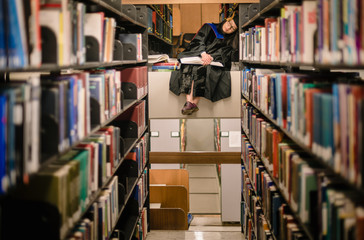 Student lost in the sea of knowledge
