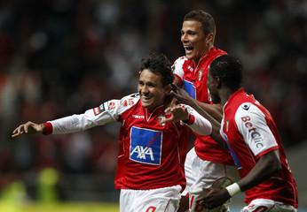 Braga's Mossoro celebrates his goal against Olhanense with mates Lima and Elderson