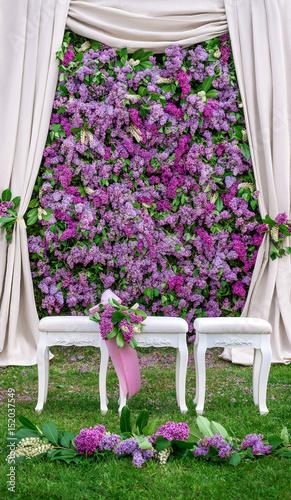 Dekoration Fur Eine Hochzeit Flieder Blumen Wand Floristik