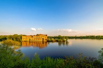 Granary of stronghold Modlin (Poland) Fototapete