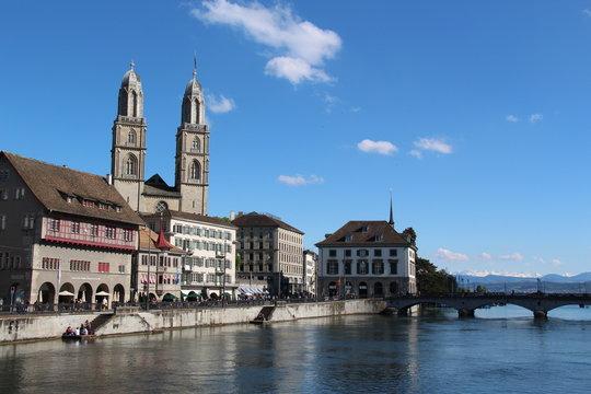 Züricher Grossmüster und Limmat
